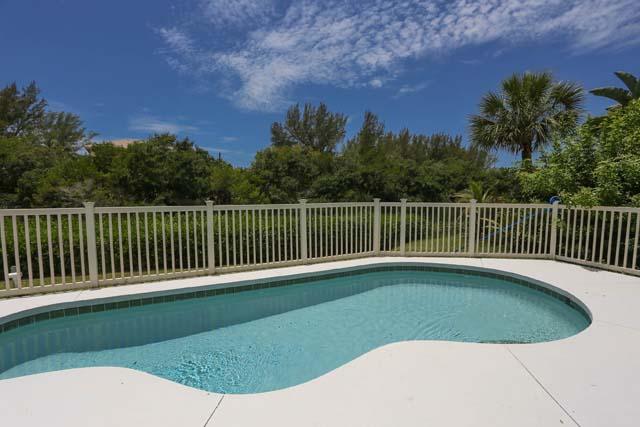 8540 Heron Lagoon Cir, Sarasota, FL 34242