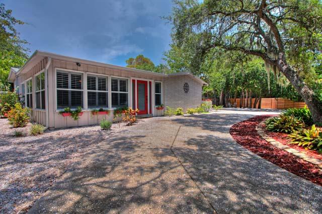 1033 Shadow Lawn Way, Sarasota, FL 34242