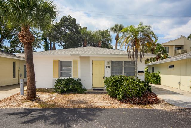 1137 N Moonmist Ct, Unit L7, Sarasota, FL 34242